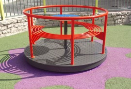 PLAYGROUND_ESSENTIALS_441_PRIMAVERA